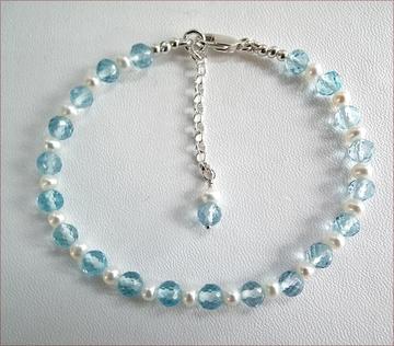 Blue topaz and pearl bracelet
