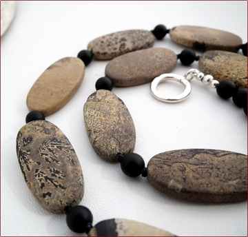artistic jasper necklace