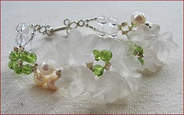 peridot and quartz bracelet