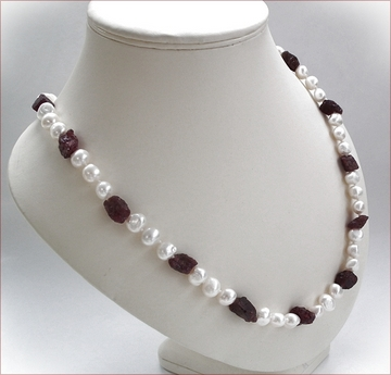 pearls with garnet necklace