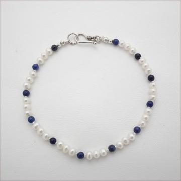 Pearl and lapis bracelet