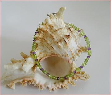 Peridot with amethyst friendship bracelet