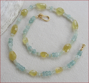 Blue and yellow aquamarine necklace