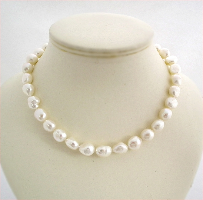 Hand Knotted Baroque Pearl Necklace (SM124)