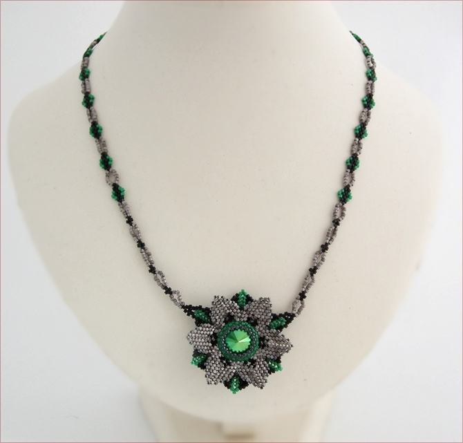Green and Silver Deco Beadwork Necklace (BW018)