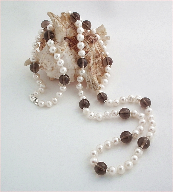 Knotted Pearls with Smoky Quartz Necklace (SM97)