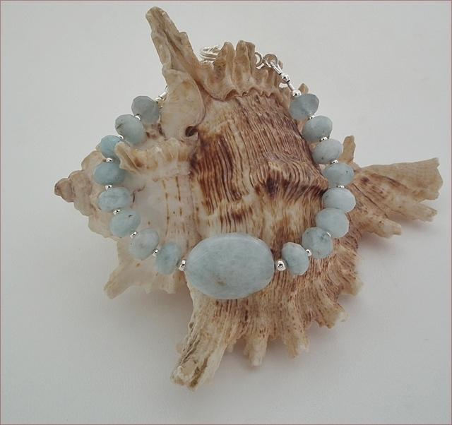 Aquamarine Bracelet (SS72)