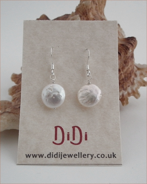 Freshwater Coin Pearl Earrings (DE08)