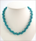 Green Blue Russian Spiral Stitch Necklace Chameleon (BW55)