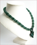 'Zamarad' Emerald Green Beadwork Pendant Necklace (BW104)